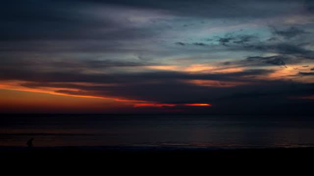 Spiaggia di Jimbaran al tramonto, time lapse Bali