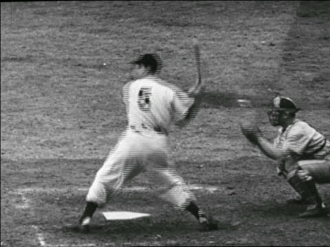 Joe DiMaggio hitting ball in Yankees vs Dodgers game / World Series