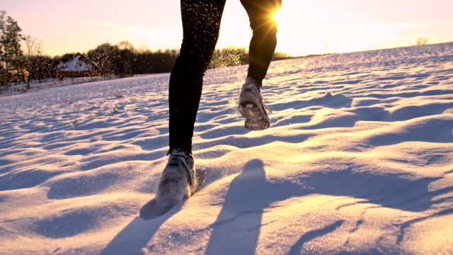 SLO, MO, Joggen im Schnee