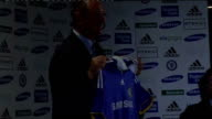 Cobham PHOTOGRAPHY *** Luiz Felipe Scolari holding up Chelsea FC shirt as posing for photocall ENDS