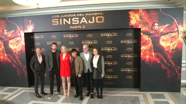 Josh Hutcherson Jennifer Lawrence Liam Hemsworth and Francis Lawrence attend 'The Hunger Games Mockingjay Part 2' photocall