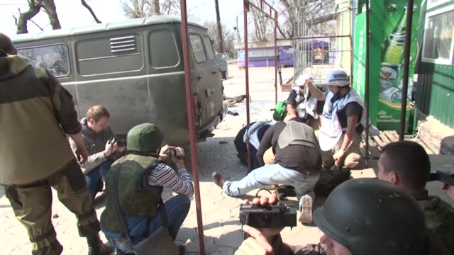 A journalist from the Russian TV network Zvezda has been injured by a mine in Shyrokyne Ukraine whilst with a group of journalists accompanied by...