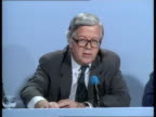 Reaction ENGLAND London Foreign Secretary Sir Geoffrey Howe out of building Foreign Secretary Sir Geoffrey Howe speaking at press conference SOF