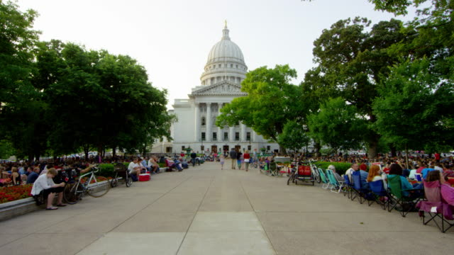 June 2015 Madison: Wisconsin State Capitol time-lapse - RED Dragon