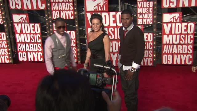 Kara DioGuardi and guests at the 2009 MTV Video Music Awards at New York NY