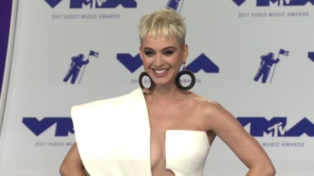 Katy Perry at 2017 MTV Video Music Awards in Los Angeles CA