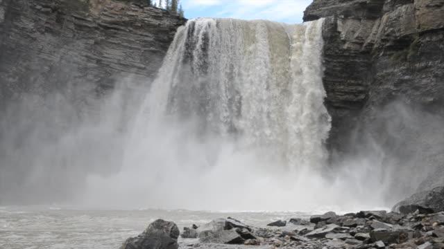 Kayaker descends giant waterfall, hits bottom