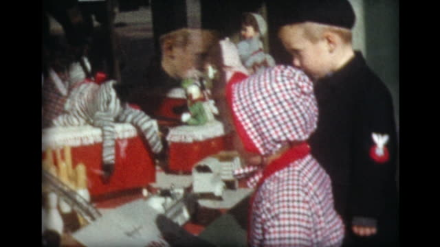 1959 kids stare into toy store window