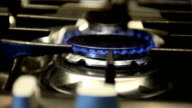 kitchen gas stove that turns on and off