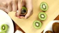 kiwi fruit cutting