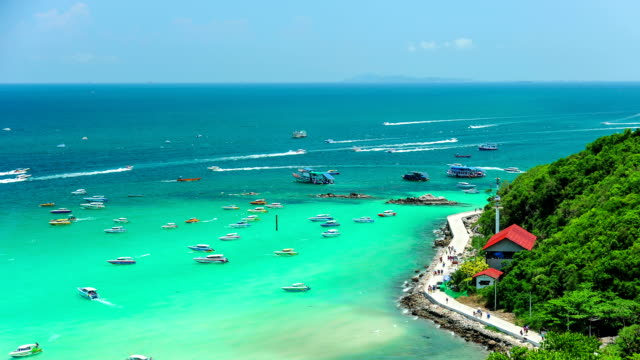 http://media.gettyimages.com/videos/koh-larn-island-tropical-beach-in-pattaya-city-video-id476611292?s=640x640