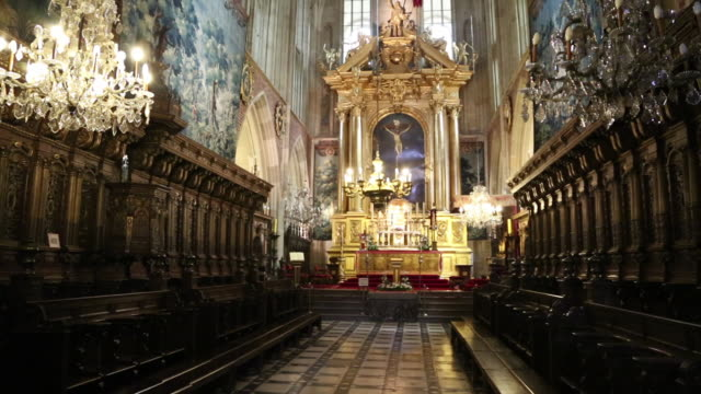 Krakow, Wawel Cathedral, interior view of the main Altar
