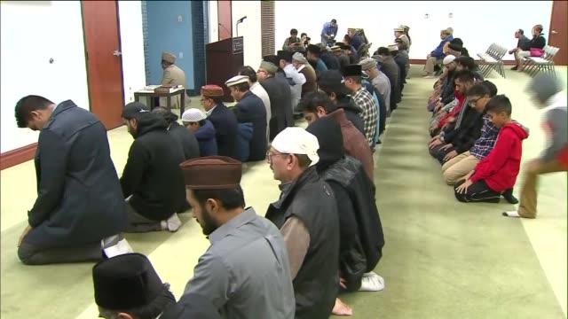 Muslim Leaders Held Prayer Vigil At Mosque After San Bernardino Shooting