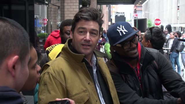 Kyle Chandler signs for fans outside The London NYC hotel in New York City in Celebrity Sightings in New York