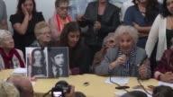 La abuela de la Plaza de Mayo Estela de Carlotto celebro el martes el hallazgo del nieto 122 y pidio romper el silencio para encontrar a otros...