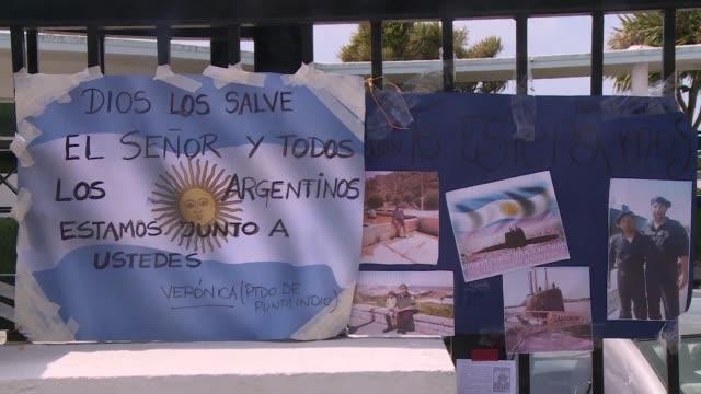 La angustiosa busqueda del submarino argentino perdido con 44 tripulantes desde hace seis dias se intensificaba el martes aun sin indicios del navio
