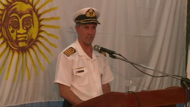 La Armada argentina afirmo el jueves que continuan las operaciones de busqueda del submarino ARA San Juan desaparecido hace mas de una semana pese al...