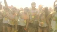 La ciudad colombiana de Medellin recibio este fin de semana una curiosa fiesta de deporte y color Medellin se pinta para correr on September 02 2013...