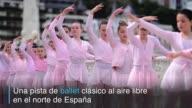 La ciudad vasca de San Sebastian en el norte de Espana presume de sus bailarines de ballet clasico con la llegada de cada primavera en una exhibicion...
