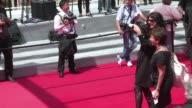 La fiebre del selfie llega a la alfombra roja del festival de Cannes