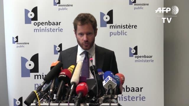 La fiscalia de Belgica anuncio el domingo que el destituido lider separatista catalan Carles Puigdemont y cuatro de sus exministros se entregaron...