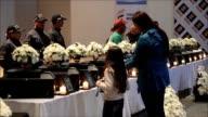 La fiscalia de Medellin entrego el viernes a familiares 14 restos oseos de personas que murieron entre los años 1989 y 2016 victimas del conflicto...