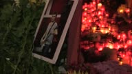 La investigacion sobre el mortal incendio en una discoteca de Bucarest continuaba este domingo en un ambiente de indignacion en el que la prensa...