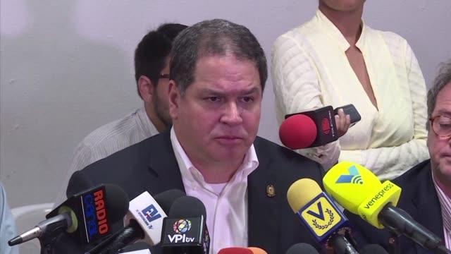 La oposicion venezolana pidio el lunes paciencia en las negociaciones que se llevan a cabo en Republica Dominicana con el gobierno del presidente...