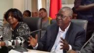 La Organizacion Mundial de la Salud declaro el fin de la transmision del virus de ebola tras 42 dias sin nuevos casos en Guinea