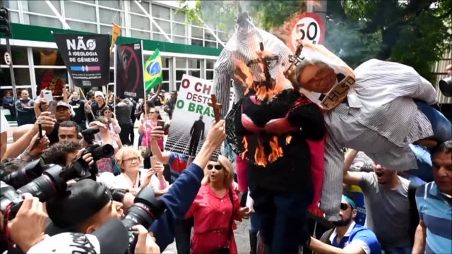 La participacion de la filosofa estadounidense Judith Butler en un coloquio en Sao Paulo genero el martes protestas a favor y en contra de la mujer...