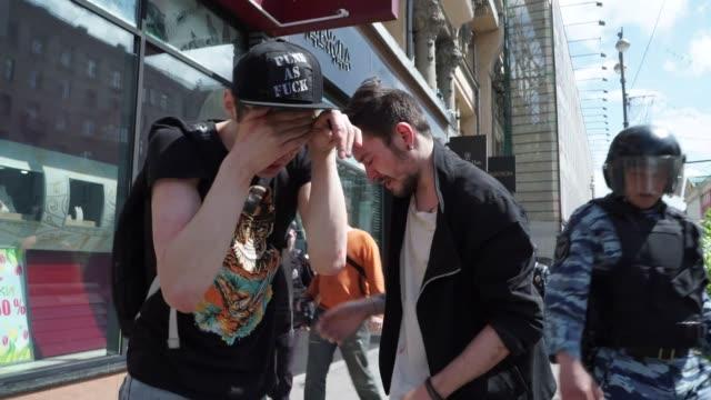 La policia rusa detuvo este sabado a activistas por intentar organizar una manifestacion del orgullo gay no autorizada en el centro de Moscu