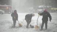 La potente tormenta de nieve Jonas llego en la noche del viernes al sabado a Nueva York con una intensidad que la perfila como una de las mayores que...