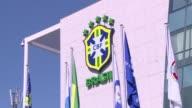 La prensa brasilena da por hecho que el exentrenador y mundialista Dunga sera nombrado el martes como sucesor de Luiz Felipe Scolari al frente de la...