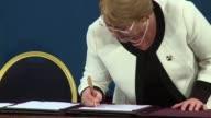 La presidenta chilena Michelle Bachelet presento el jueves tres proyectos para reformar el sistema de pensiones de su pais heredado de la dictadura...