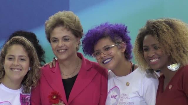 La presidenta Dilma Rousseff afirmo el jueves que Brasil necesita un gran pacto que respete el voto popular que la llevo al poder para superar la...