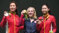 La primera medalla de oro de los Juegos Olimpicos fue el sabado para la estadounidense Virginia Thrasher en la prueba de tiro con carabina de aire...