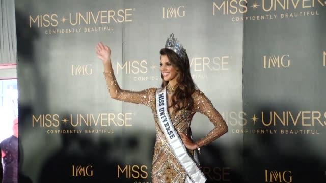 La recien coronada Miss Universo la francesa Iris Mittenaere se declaro partidaria de la globalizacion y las fronteras abiertas mientras el mundo del...