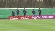 La seleccion argentina de futbol se entrena con su nuevo DT al mando de cara a los duelos contra Uruguay y Venezuela por las eliminatorias...