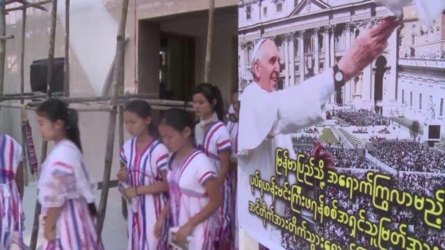 La visita del papa Francisco a Birmania es un consuelo para los catolicos que representan solo el 1% de la poblacion del pais