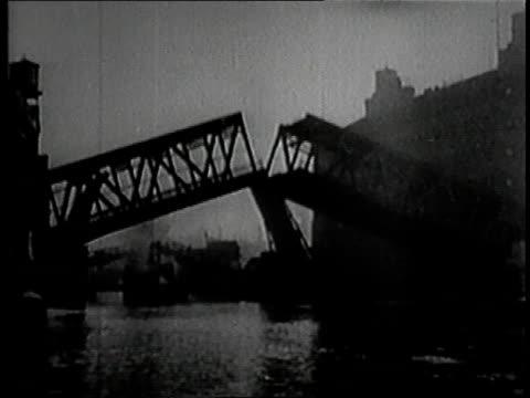 1919 MONTAGE Lake Grande ocean liner leaving port in Chicago / Illinois, United States
