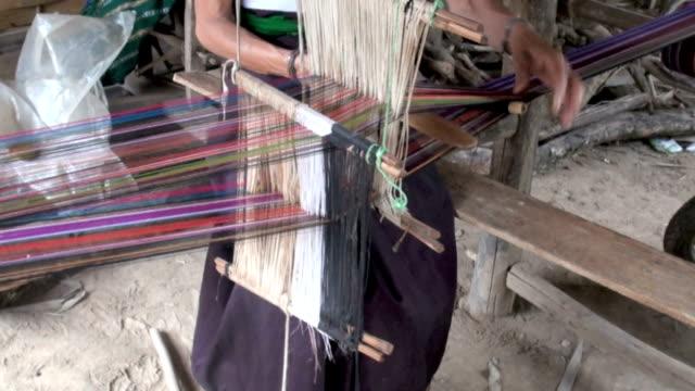 Laos thailändischen-Damm beim Weben