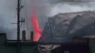 Las autoridades de Brasil enviaron el jueves 90 bomberos y 30 vehiculos para luchar contra un incendio masivo en una planta quimica cerca del...