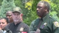 Las autoridades de Florida afirmaron el miercoles que no hay duda de que el nino de dos anos atrapado en un lago artificial por un caiman en el...