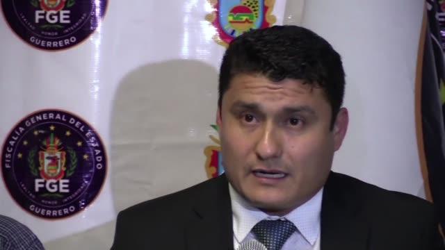 Las autoridades mexicanas buscan al dueno del crematorio abandonado de la turistica localidad de Acapulco donde fueron hallados 60 cadaveres...