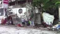 Las autoridades restablecieron este lunes el servicio electrico en Acapulco despues del paso de Carlos por el sur de Mexico que volvio a alcanzar la...