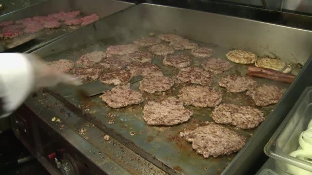 Las autoridades sanitarias de Estados Unidos quieren prohibir las grasas trans artificiales presentes en alimentos procesados por los riesgos...