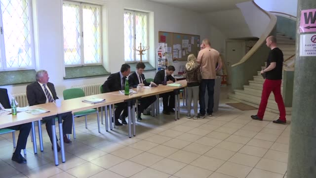 Las elecciones presidenciales el domingo en Austria mantenían en suspenso al pais ante el empate tecnico entre el ultraderechista Norbert Hofer y el...