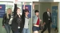 Las tres militantes europeas del grupo feminista Femen liberadas la noche pasada en Tunez tras un mes de detencion por una accion con el torso...