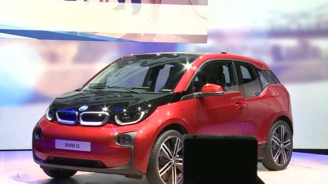 BMW launched the electric BMW i3 super mini on Monday in an international debut with the car simultaneously being unveiled in Beijing and New York...