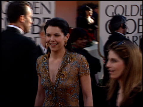Lauren Graham at the 2002 Golden Globe Awards at the Beverly Hilton in Beverly Hills California on January 20 2002